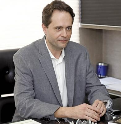 """""""A principal função da Cirurgia Plástica é melhorar a saúde da pessoa"""", avalia Endrigo"""